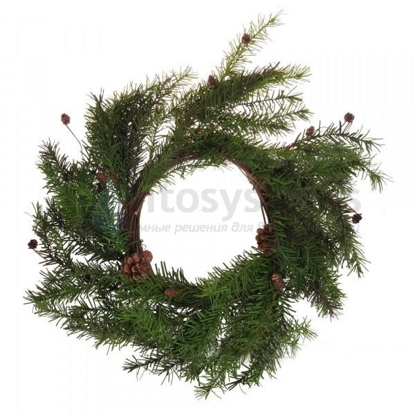 Декоративный венок из елок и шишек